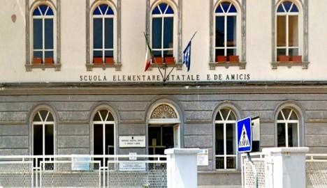 """Riapre la """"De Amicis"""", parere favorevole della Procura di Santa Maria Capua Vetere: in tre settimane l'amministrazione Marino ha risolto il problema infiltrazioni"""