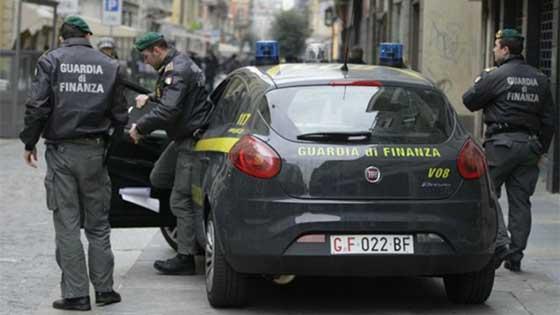 Maxi sequestro della Guardia di Finanza, nel mirino migliaia di capi contraffatti tra Napoli e Caserta