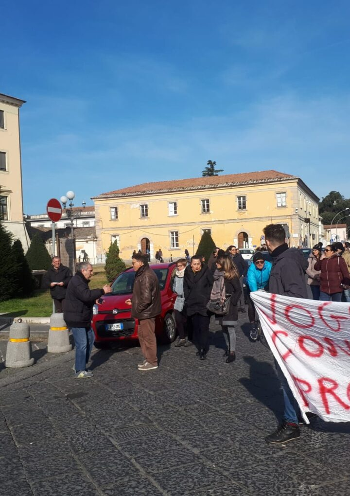Ospedale di Caserta, corteo dei 200 somministrati: interviene la Felsa Cisl