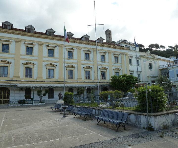 Maddaloni, giovedì consiglio comunale: al centro, centro polifunzionale, parcheggio integrato e randagismo