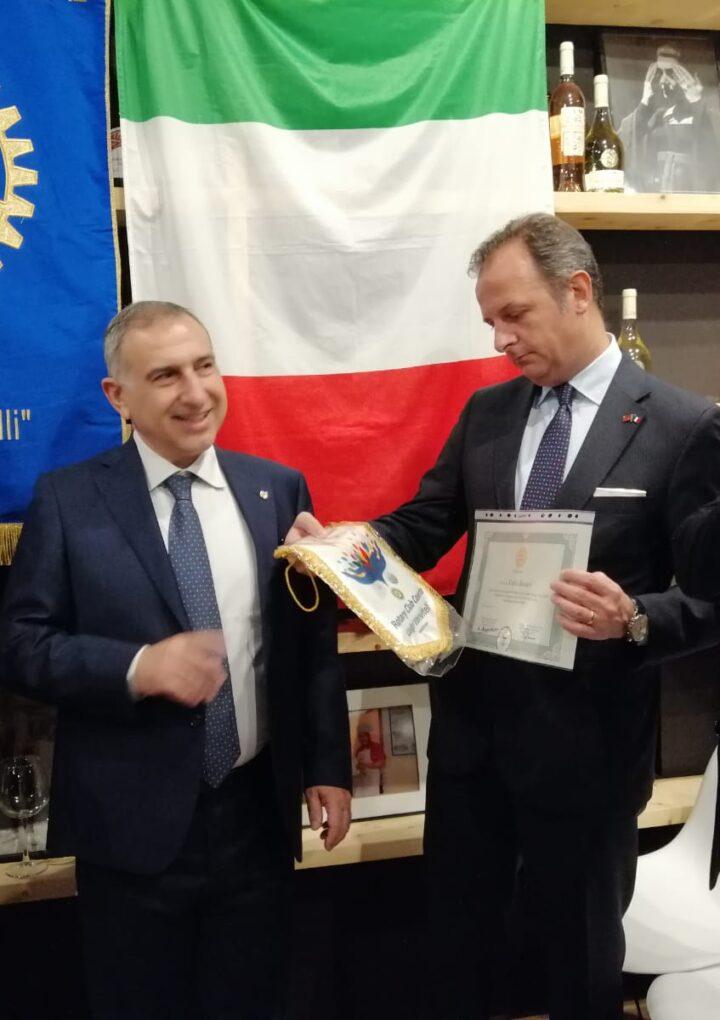 """Rotary Caserta, è Enrico Petrella il neo presidente del club """"Luigi Vanvitelli"""": passaggio di consegne con l'uscente Bruno Giannico"""